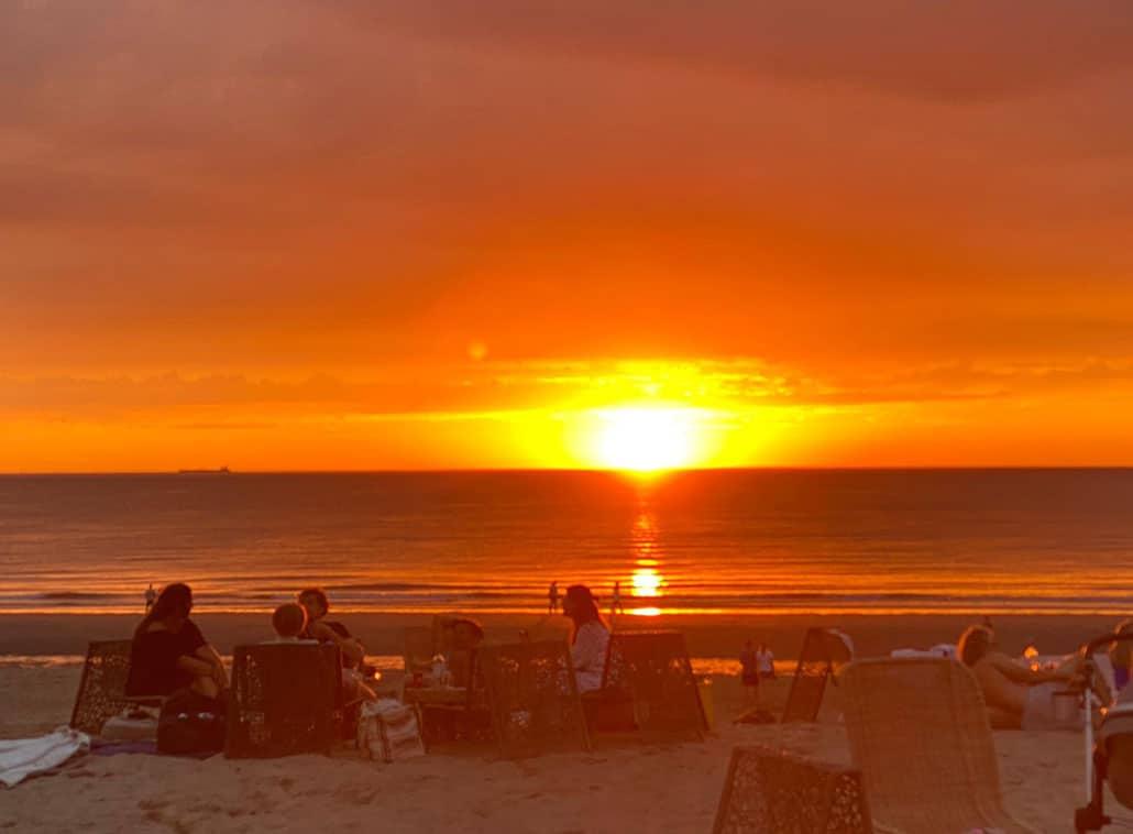 Zonsondergang op het strand van Katwijk aan Zee