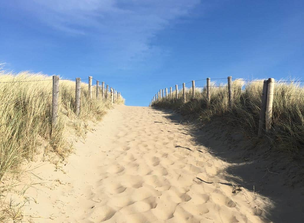Strand en zee om de hoek bij het Katwijk vakantie appartement