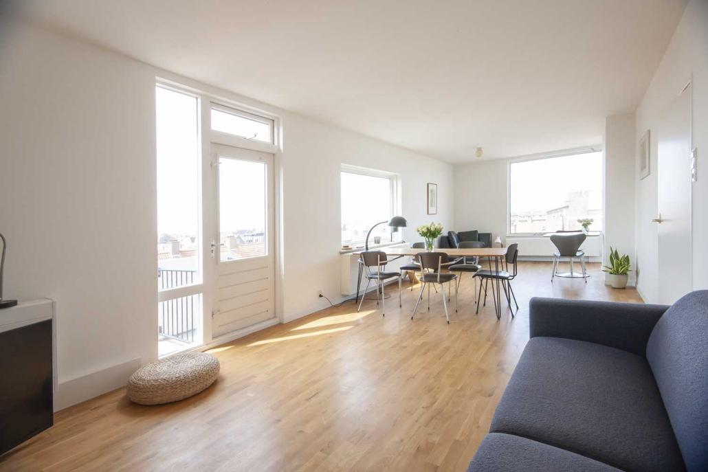 Ruime huiskamer van Katwijk Vakantie appartementmet zeezicht